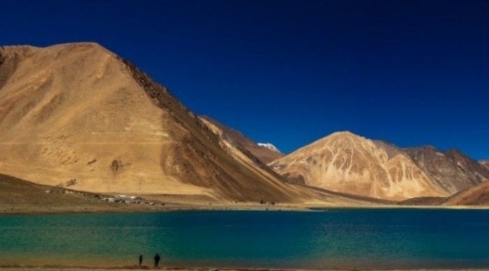 Amidst Ladakh stand-off, Pangong Tso reopens for tourists