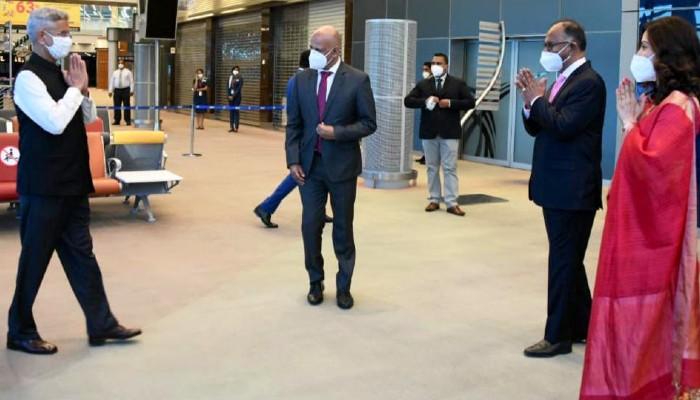 Jaishankar arrives in Mauritius, looks forward to review bilateral ties