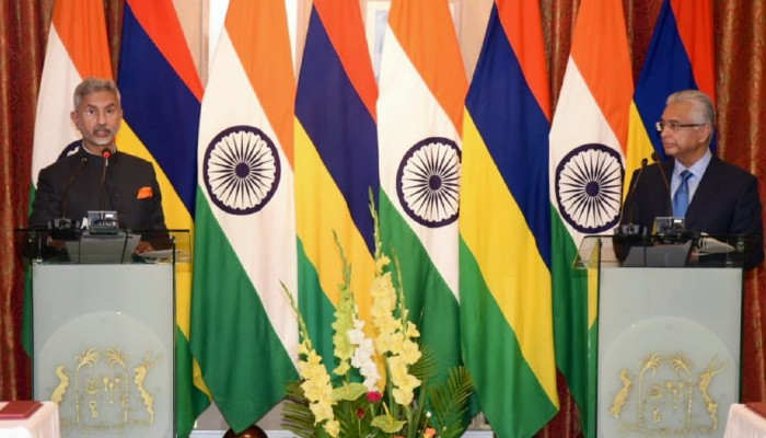 India extends $ 100 mn Line of Credit in defence sector to Mauritius