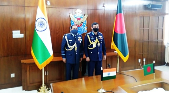 IAF Chief meets Bangladeshi counterpart, discusses strengthening bilateral engagement