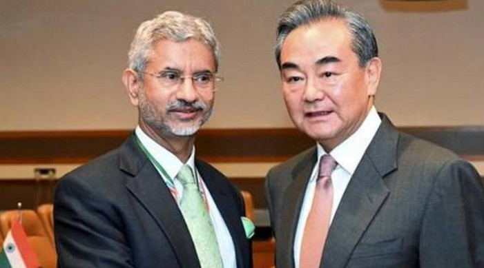 India-China Foreign Ministers agree to establish hotline