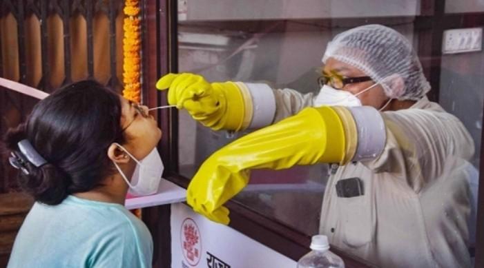 भारतको कोविड १९ संख्यामा सुधार: ३ लाख भन्दा कम दैनिक नँया संक्रमण केस, २० लाख भन्दा बढी परीक्षण