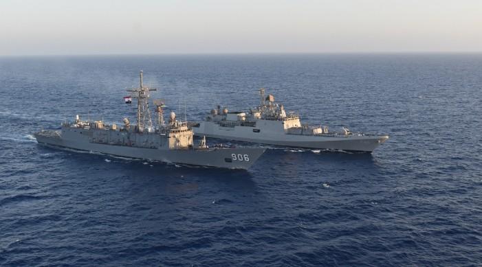 भारतीय नौसेना आईएनएस तबर  सद्भावना भ्रमणको क्रममा इजिप्टमा