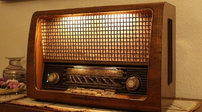 सन् १९७१ स्वतन्त्रता युद्ध मा योगदान दिएर इतिहास रचेको भिओए बंगला सेवाले आफ्नो रेडियो प्रसारणमा विराम लगाएको छ।