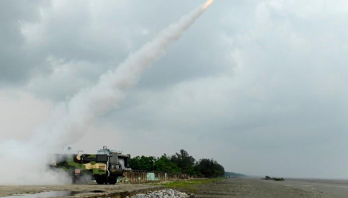 भारत ने नई पीढ़ी की आकाश मिसाइल का सफल परीक्षण किया