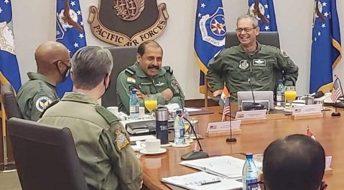 हवाइ मा आयोजित प्रशांत वायु सेना प्रमुख को संगोष्ठी मा वायु सेना प्रमुख आरकेएस भदौरिया सहभागी