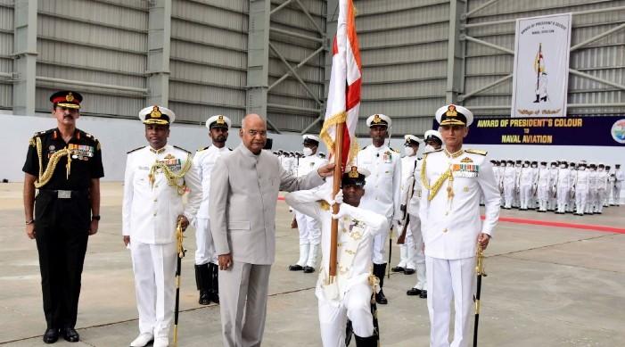 राष्ट्र प्रति समर्पित असाधारण सेवा का लागी भारतीय नौसेना उड्डयन राष्ट्रपति रंगद्वारा सम्मानित