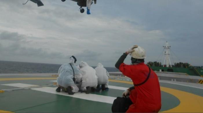 भारतीय नौसेना र तटरक्षक बलद्वारा फिलिपिनी व्यापारिक नौसेना पोतको उद्धार, चालक दल कोविड १९ सकरात्मक भएको आशंका