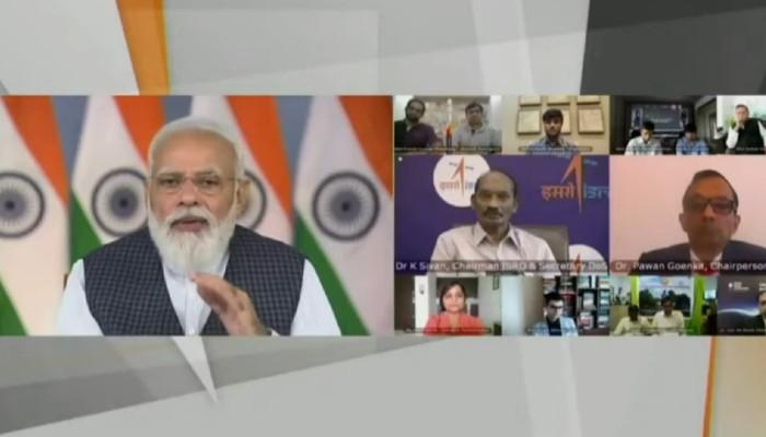 भारतीय अंतरिक्ष एजेंसी के लॉन्च के मौके पर पीएम मोदी ने कहा कि अंतरिक्ष प्रौद्योगिकी अंतिम छोर तक पहुंचाने का एक उपकरण है