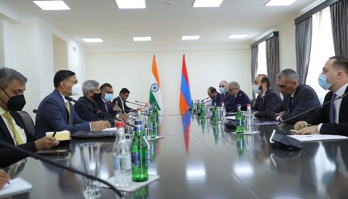 जयशंकर ने अर्मेनियाई एफएम के साथ की 'उत्पादक' बैठक, व्यापार, शिक्षा और सांस्कृतिक संबंधों को मजबूत करने पर सहमत