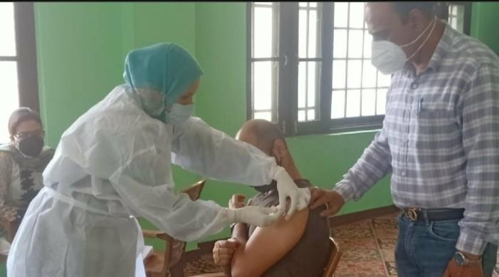 COVID-19 अपडेट: भारत ने इतिहास रचा, एक अरब टीकाकरण