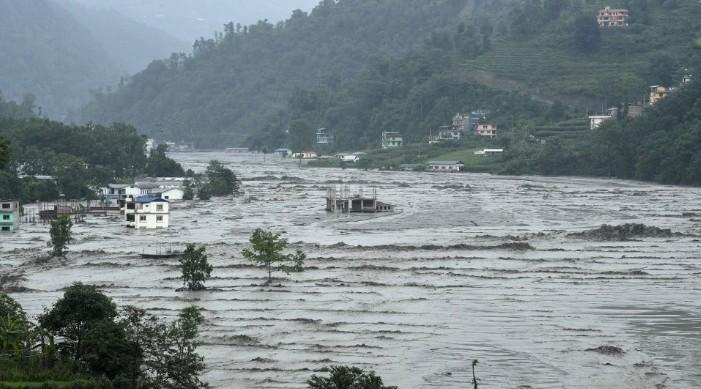 नेपाल में भारी बारिश के कारण बाढ़, भूस्खलन से 100 से अधिक की मौत