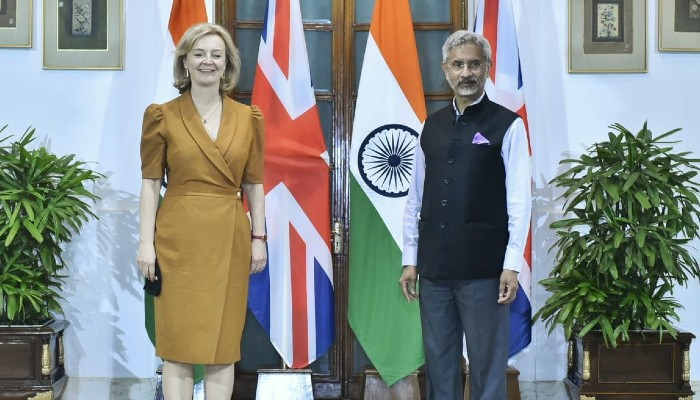 India, UK review bilateral ties, agree to strengthen cooperation in countering terrorism and radicalization